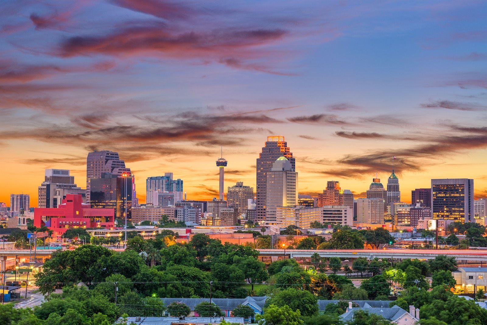 San Antonio Texas skyline cityscape destinations