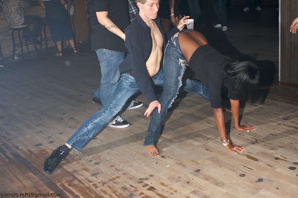How to dance in a club for guys grinding.