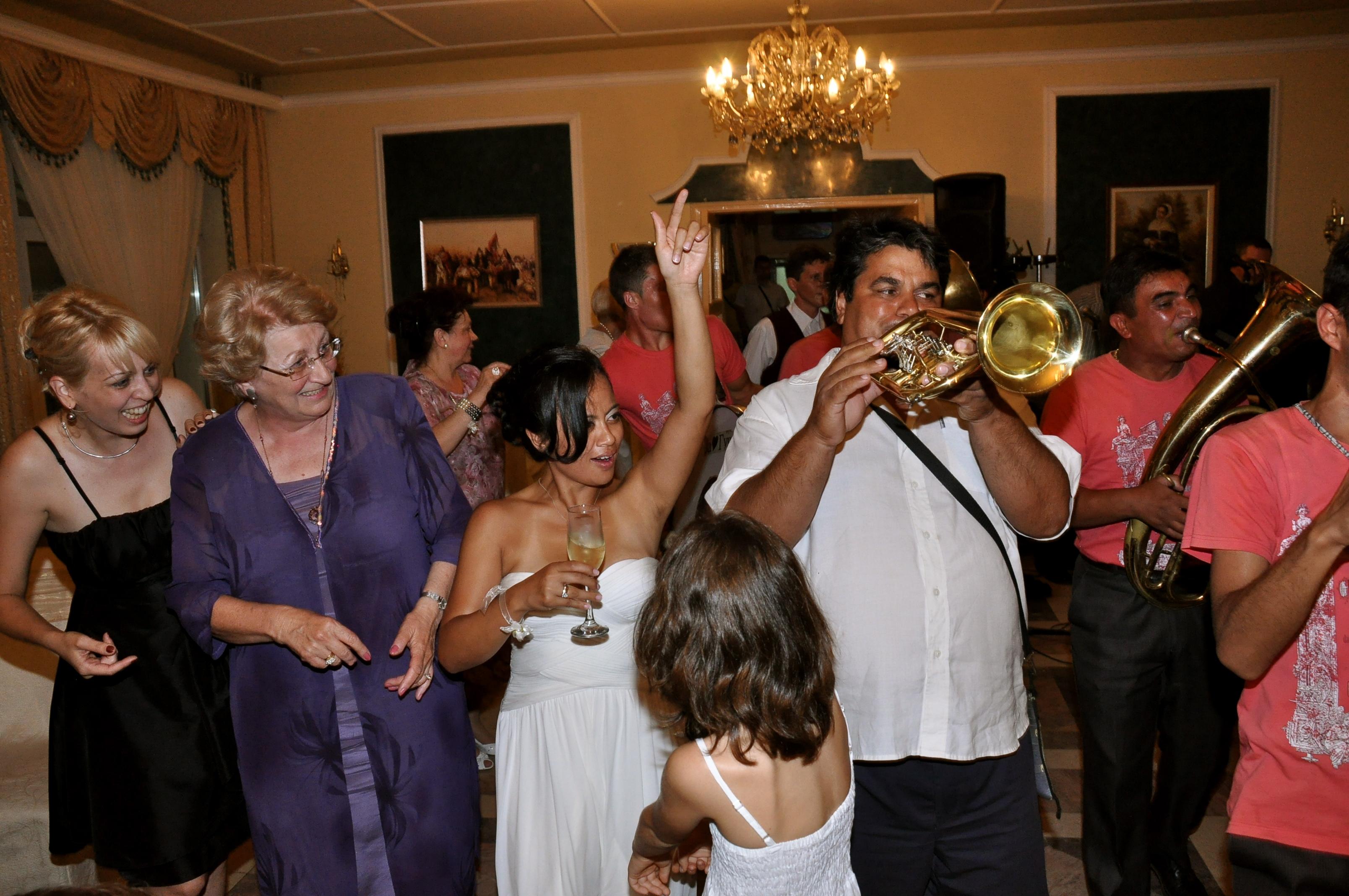 4 Signs Youre At A Serbian Wedding Matador Network