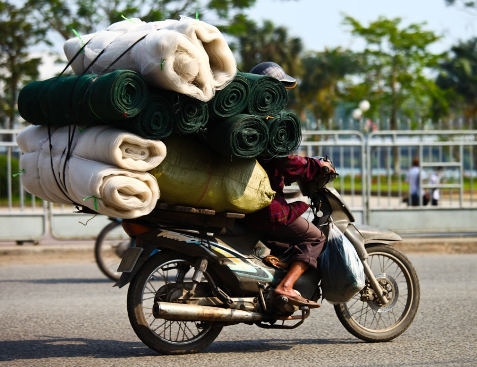 The Crazy Shit People Carry On Bikes In Vietnam Pics