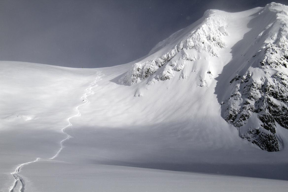 20 pics to make you wish you were heli-skiing Alaska
