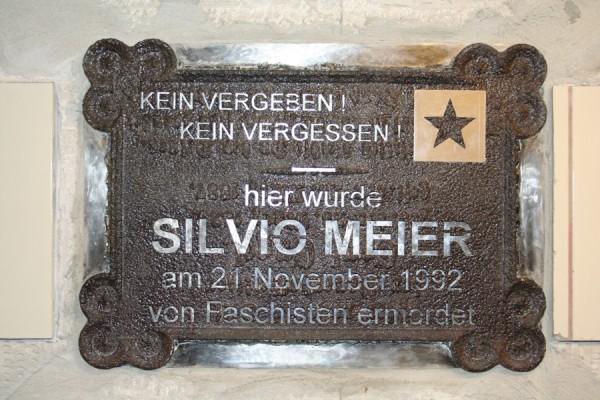 Plaque dedicated to Silvio Meier