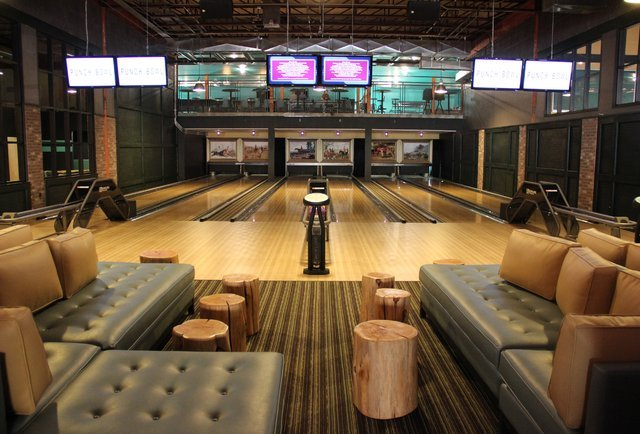 The 10 swankiest, tastiest, booziest bowling alleys in America