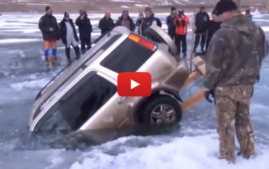 How to pull a car out of a lake – Russian style