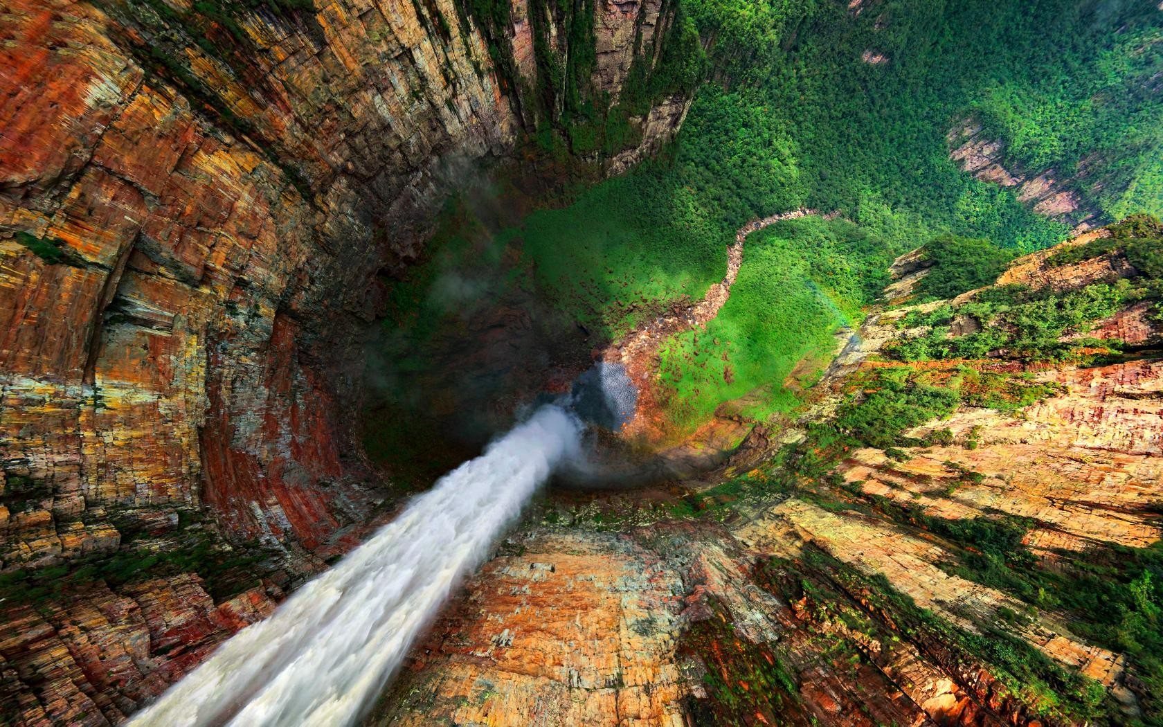 41 photos of the world's most spectacular waterfalls