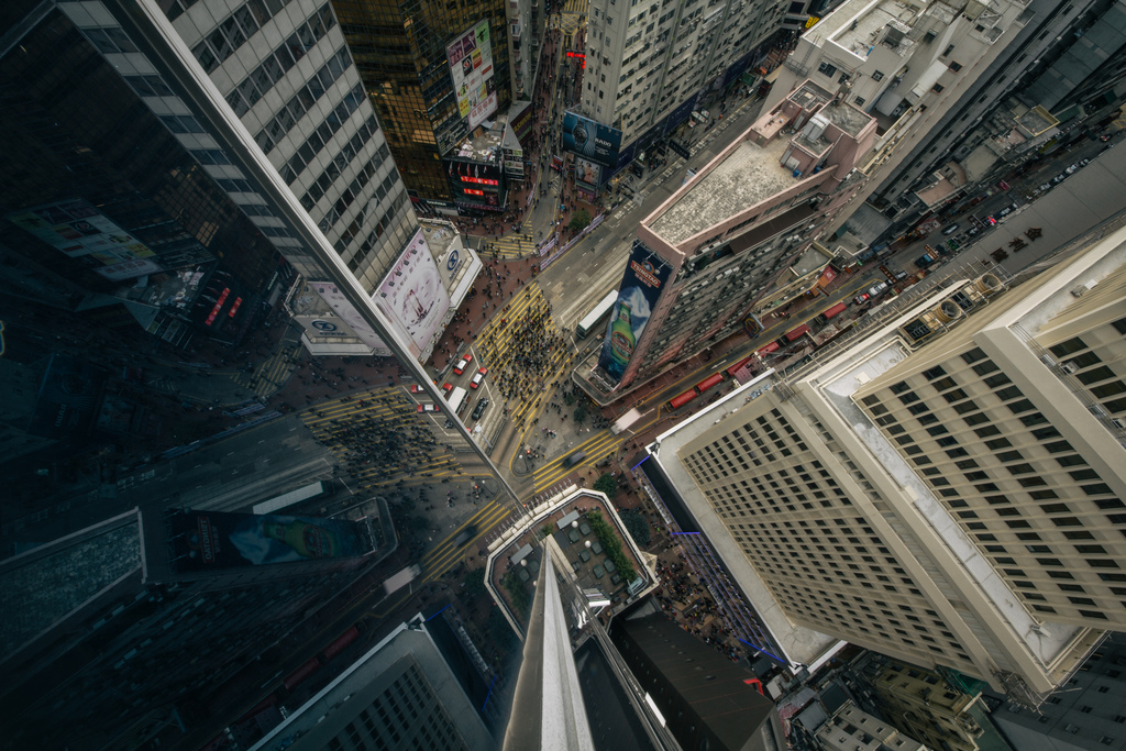 28 dizzying photos from the top of the worlds tallest