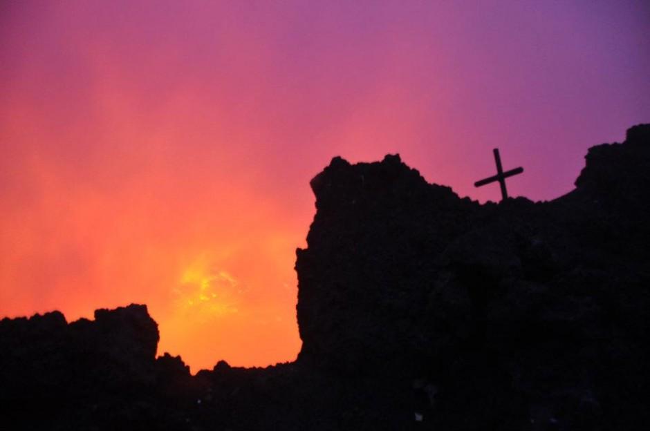 hike Nyiragongo congo