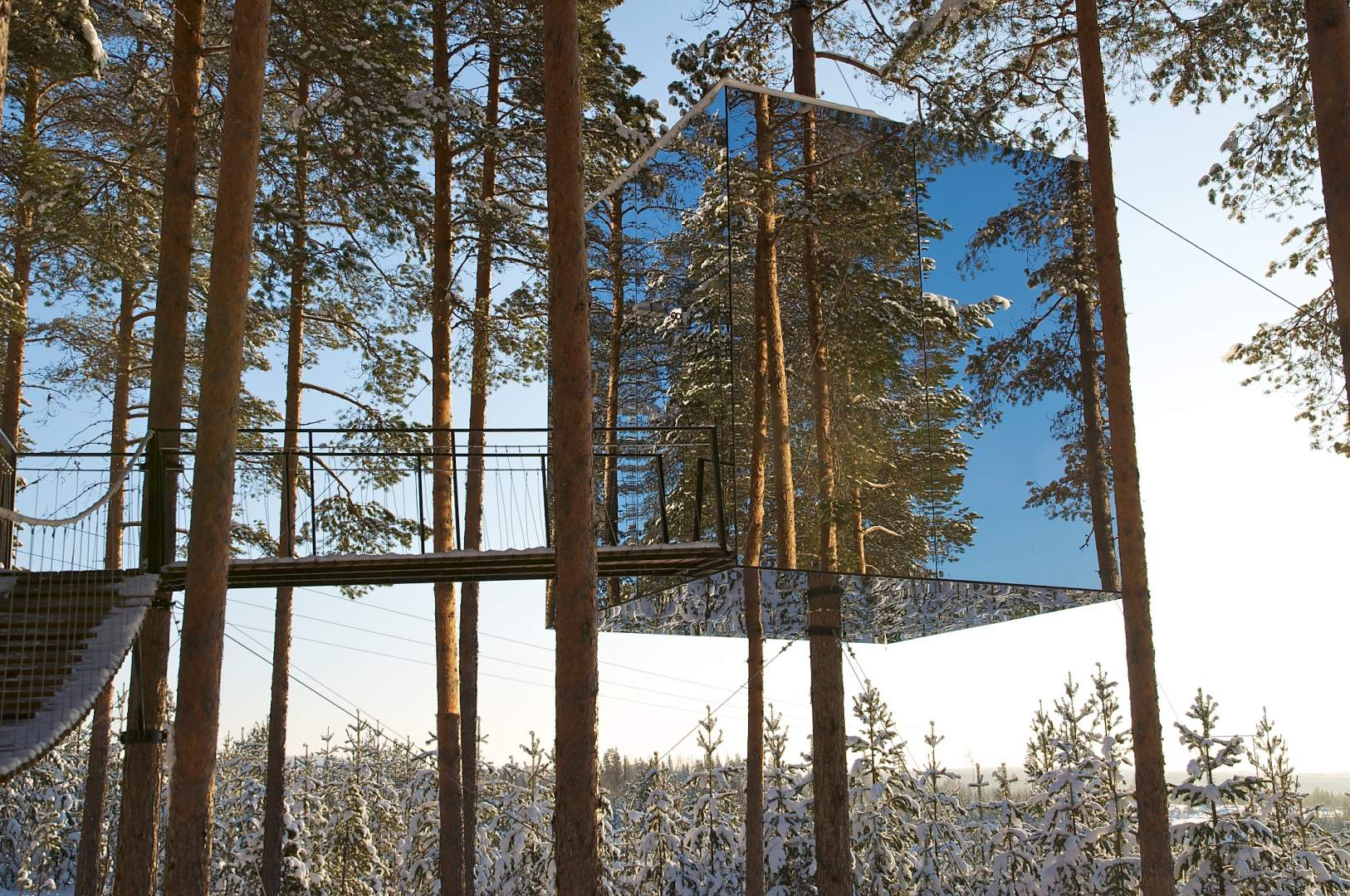 mirror treehouse sweden mirrored tree hotel in sweden - Treehouse Masters Mirrors