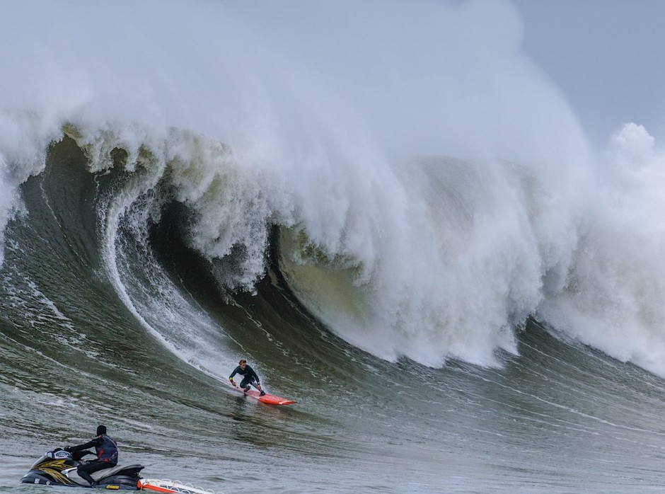 mavericks-surfing-winter2