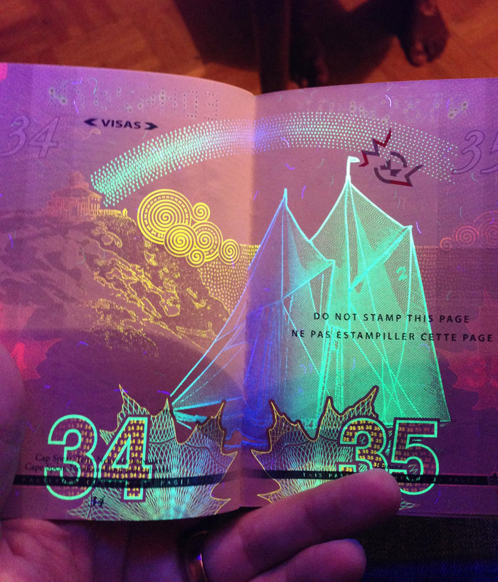 new-canadian-passport-uv-light-images-16