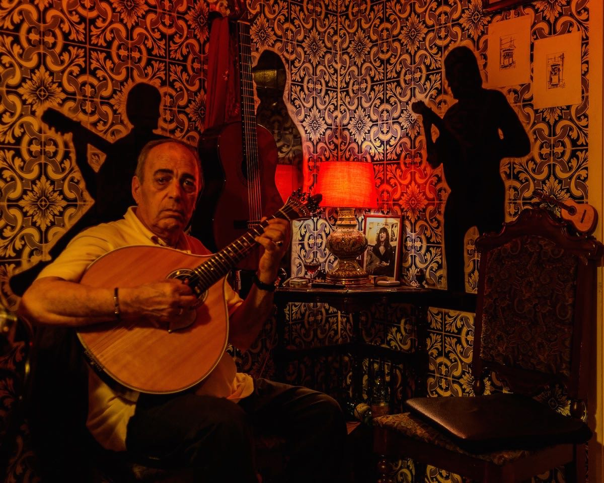 17 Fado guitar player at Tasca do Jaime