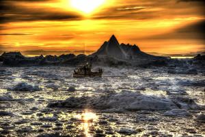 10 amazing photos of the midnight sun around the world