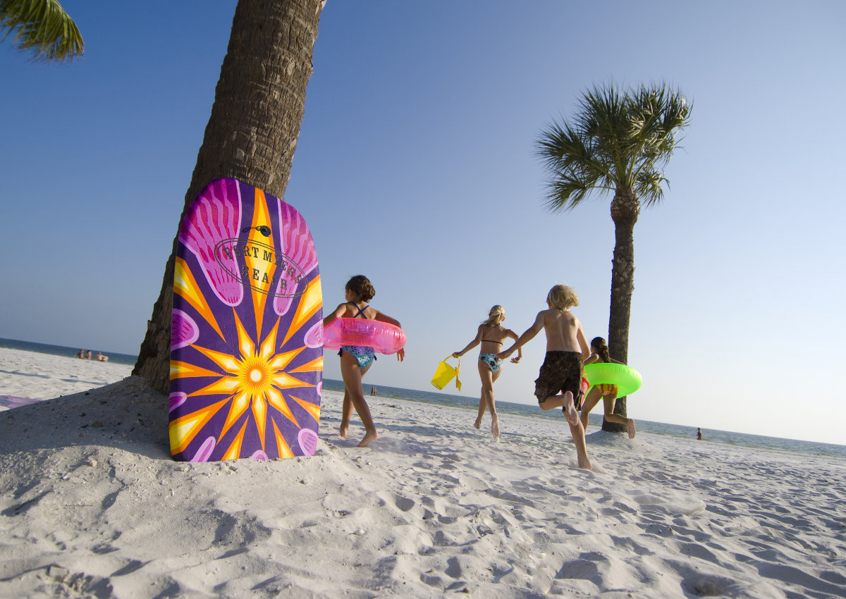Life is better on the beaches of Fort Myers & Sanibel. Here's why.