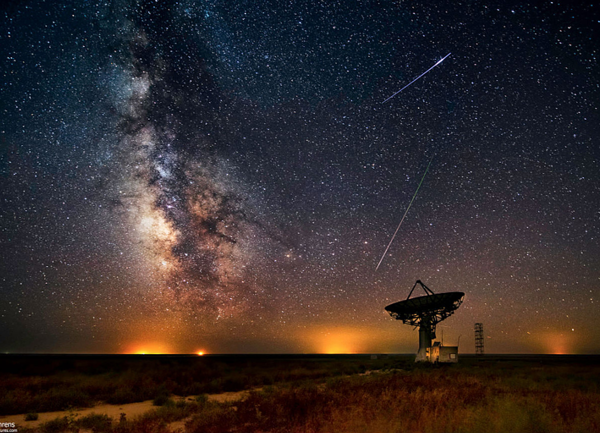 13 unbelievable shots of this year's Perseid meteor shower