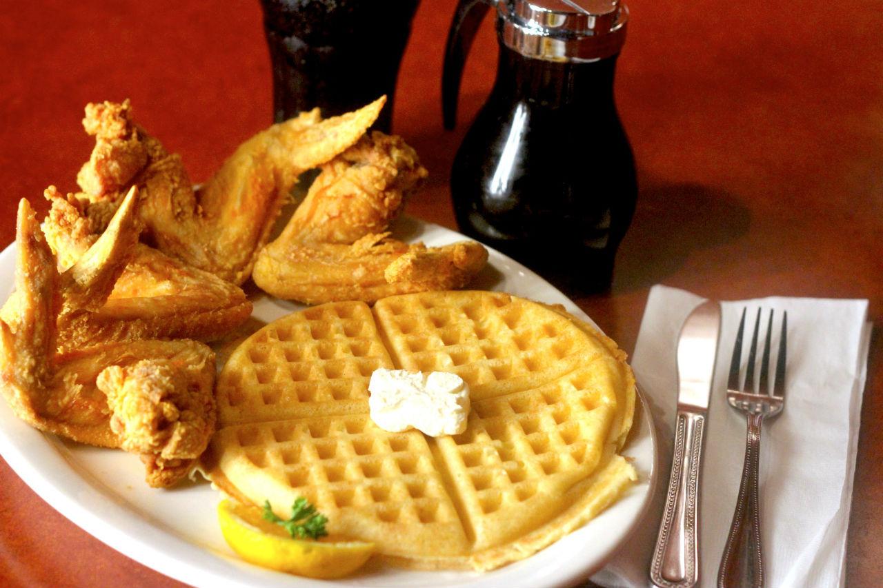 chicken-waffles-gladys