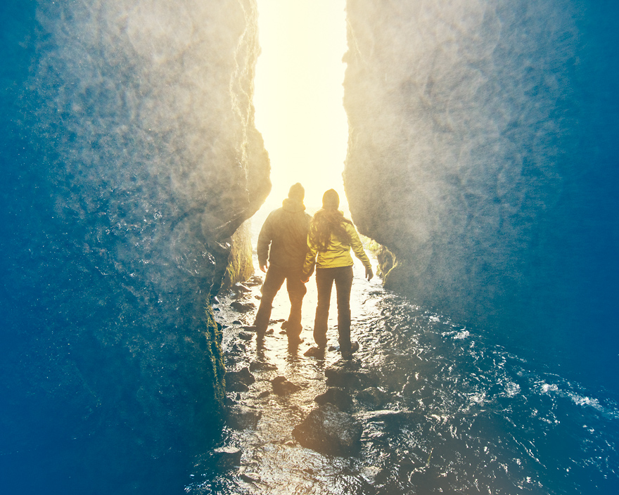 Couple in Iceland