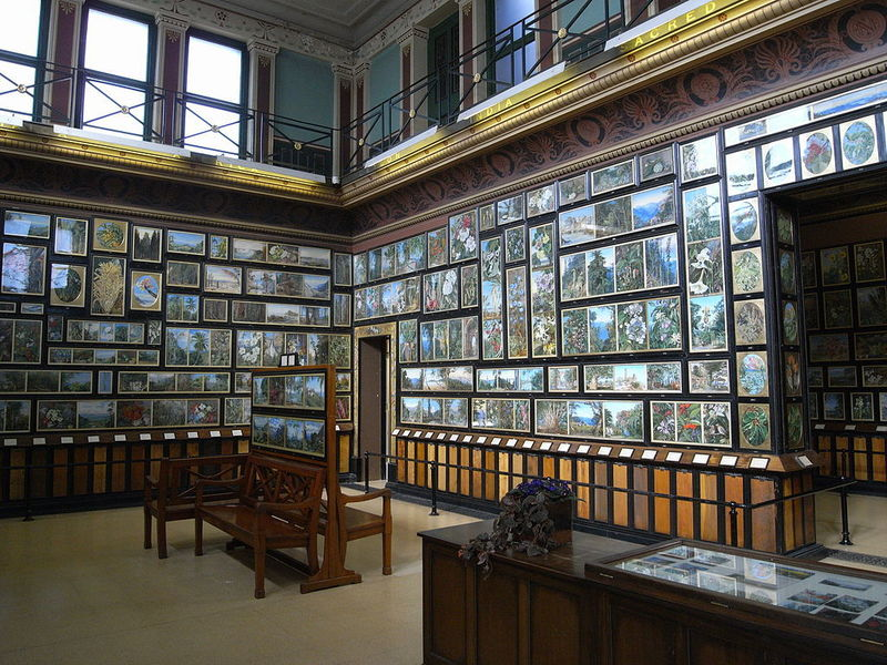 The Marianne North Gallery at Kew Gardens. (Photograph via Wikipedia Commons)