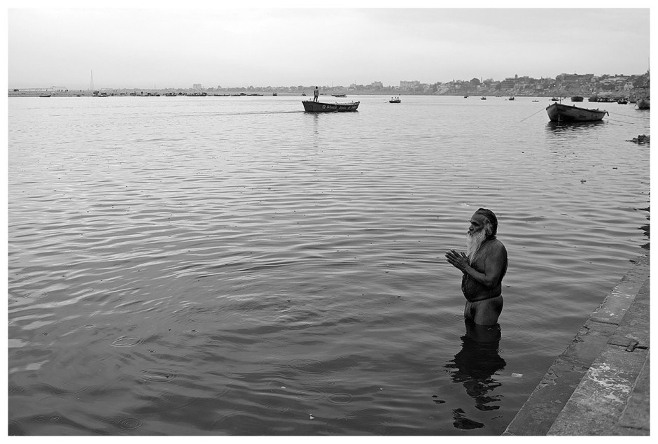 essay on river ganga in hindi of 300 words You can find here some essays on pollution in hindi language for students in 100, 150, 200, 300, 350 and 450 words प्रदूषण पर निबंध 1.