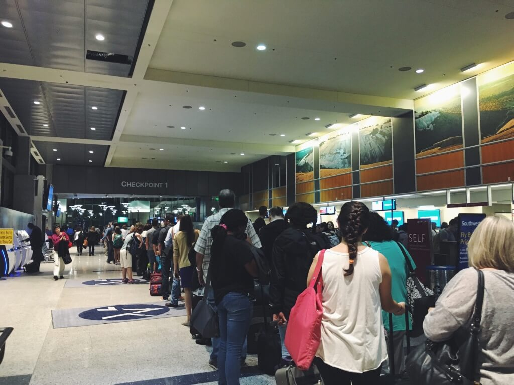 security-checkpoint-airports