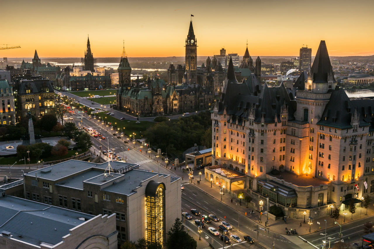Panoramic-view-of-downtown-Ottawa-with-Parliament-Hill-100913_016-Credit-Ottawa-Tourism