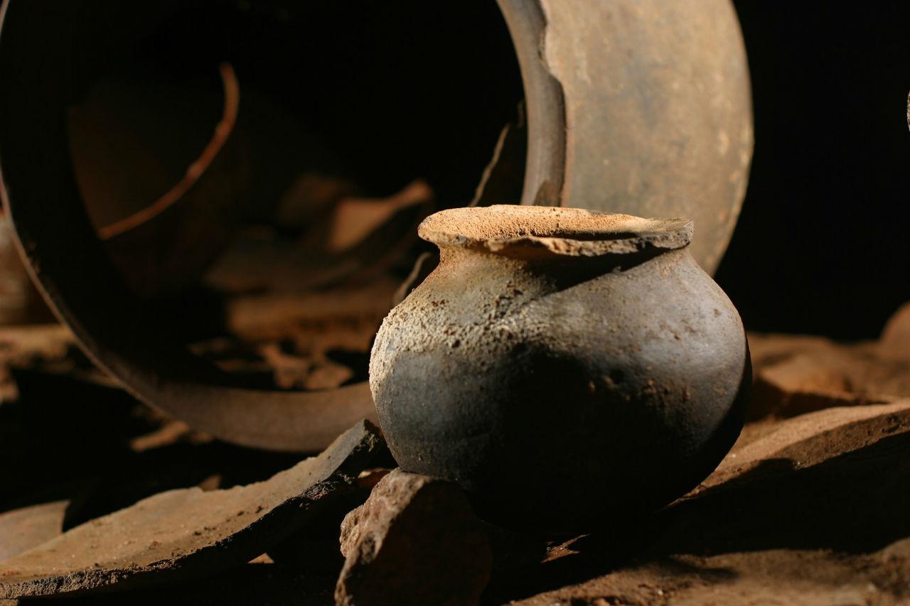 atm-cave-belize-ceramics