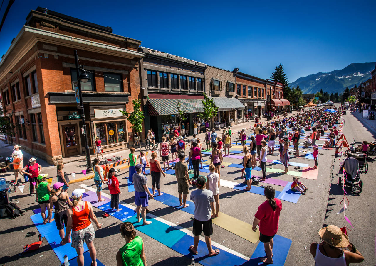 Yoga_World_Record_Attempt_Fernie_BC