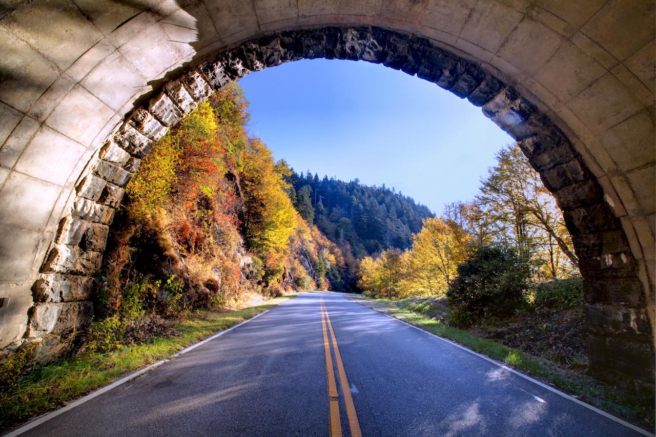 Blue Ridge Parkway _ Credit ExploreAsheville.com