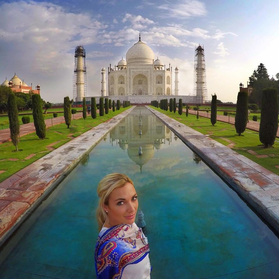 You better believe that I whipped out my GoPro in 0.5 seconds when I got to this spot at the Taj Mahal and saw a clearing with no people!