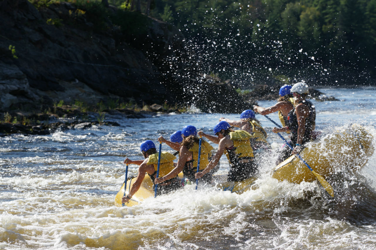 Whitewater rafting (Beachburg)_credit Ontario Tourism