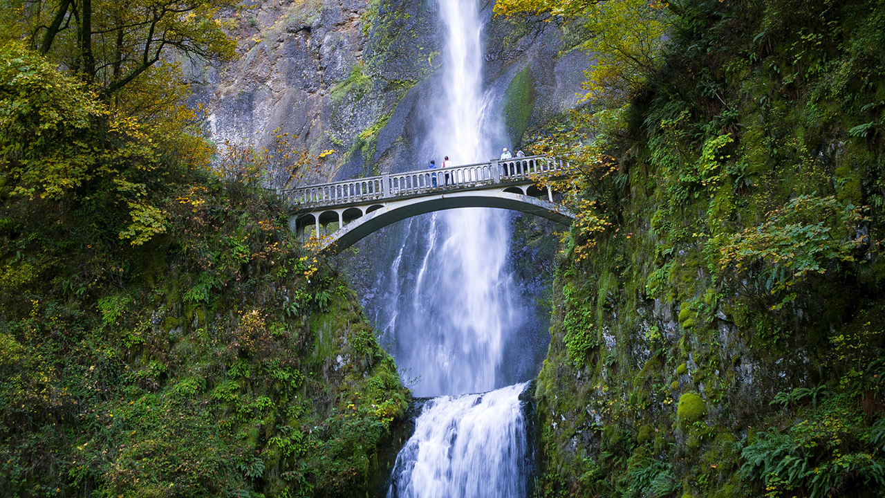 Multnomah Falls. Photo credit: Thomas Shahan