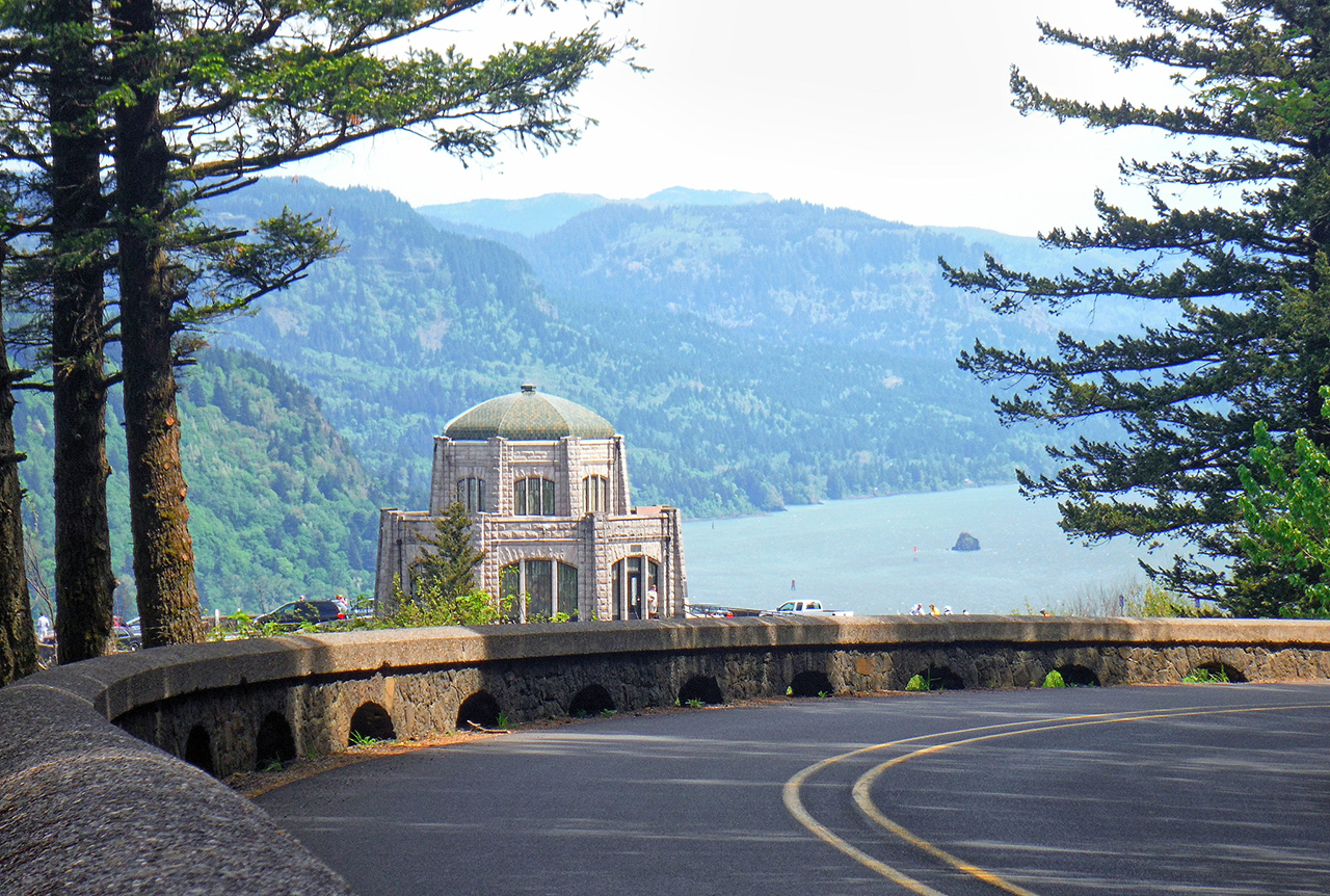Vista House. Photo credit: Kirt Edblom