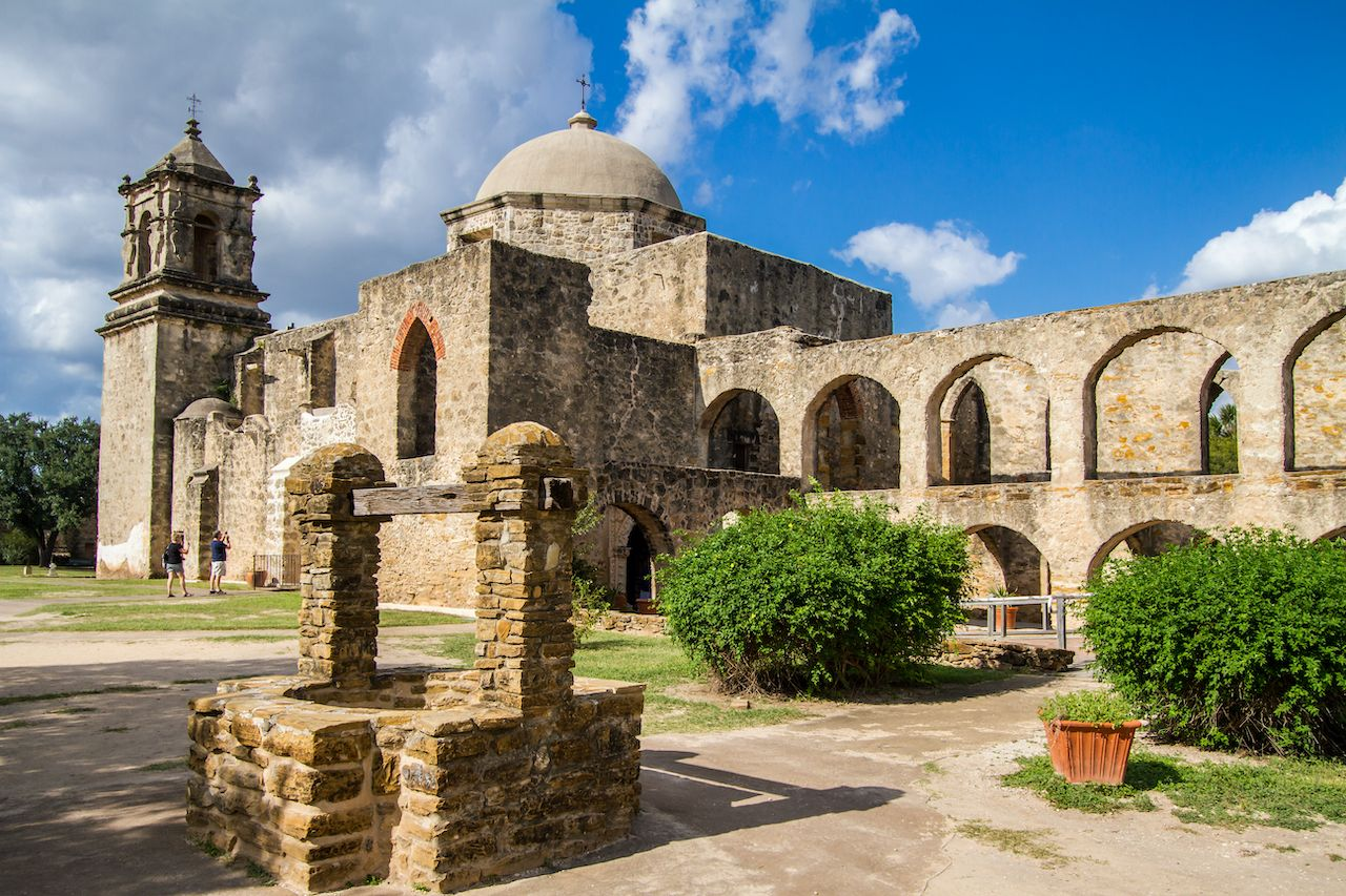 2 experiences you can only have in and around San Antonio