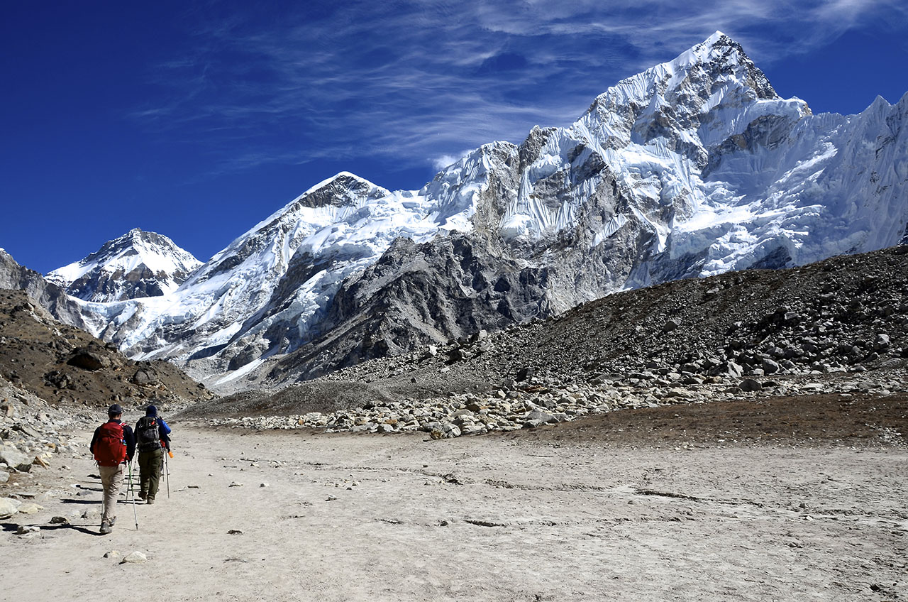 what it takes to climb the ultimate trek everest base. Black Bedroom Furniture Sets. Home Design Ideas