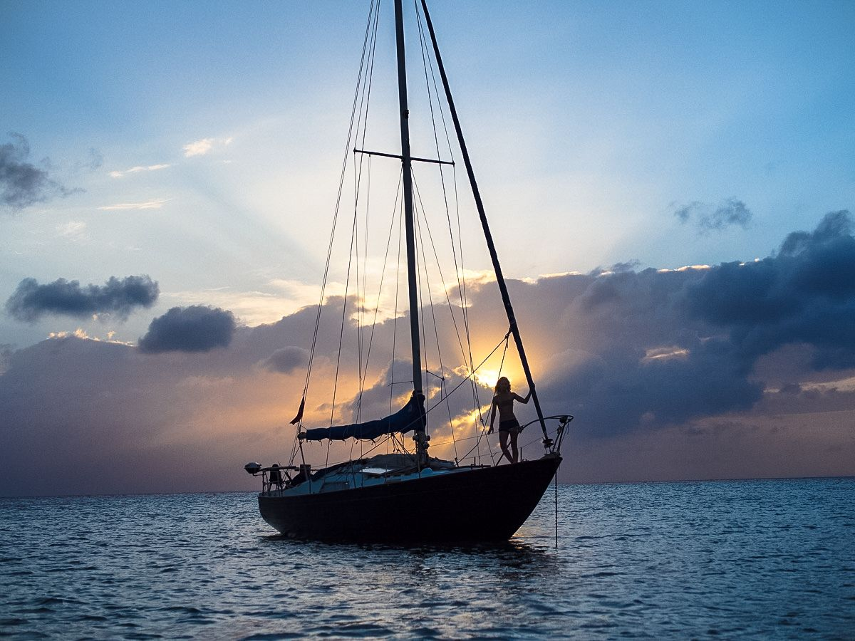 10 photos that will make you want to live on a sailboat