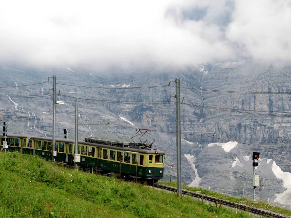 4 of the most scenic train routes through Switzerland
