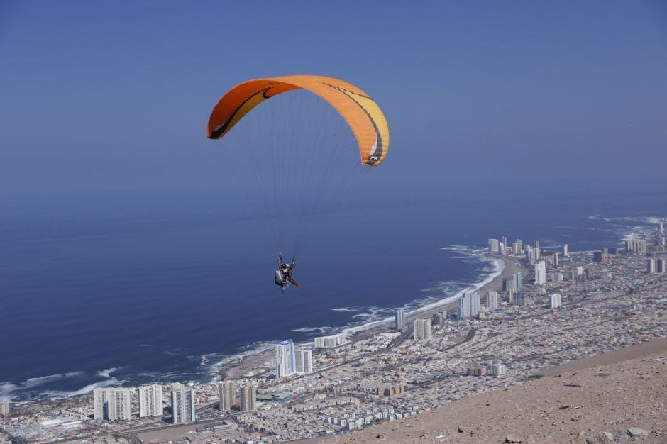 Chile parasailing