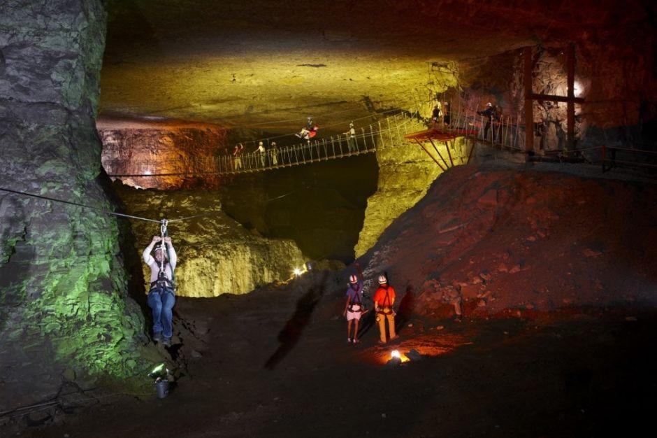 Louisville Mega Cavern zipline