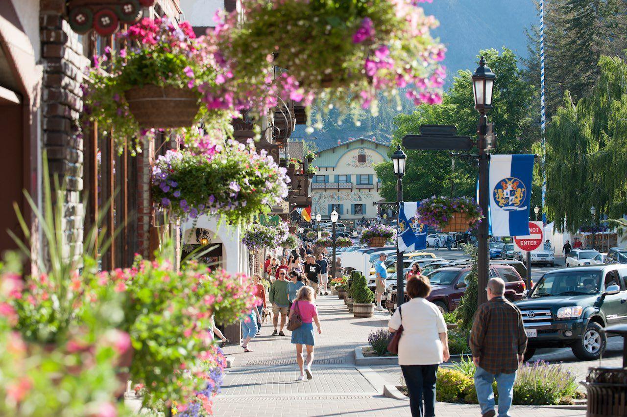 Leavenworth street shopping