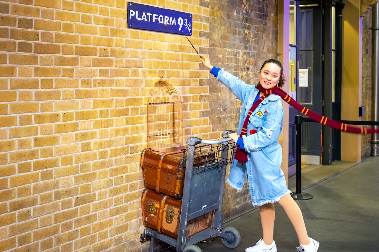 Harry potter platform at King's Cross