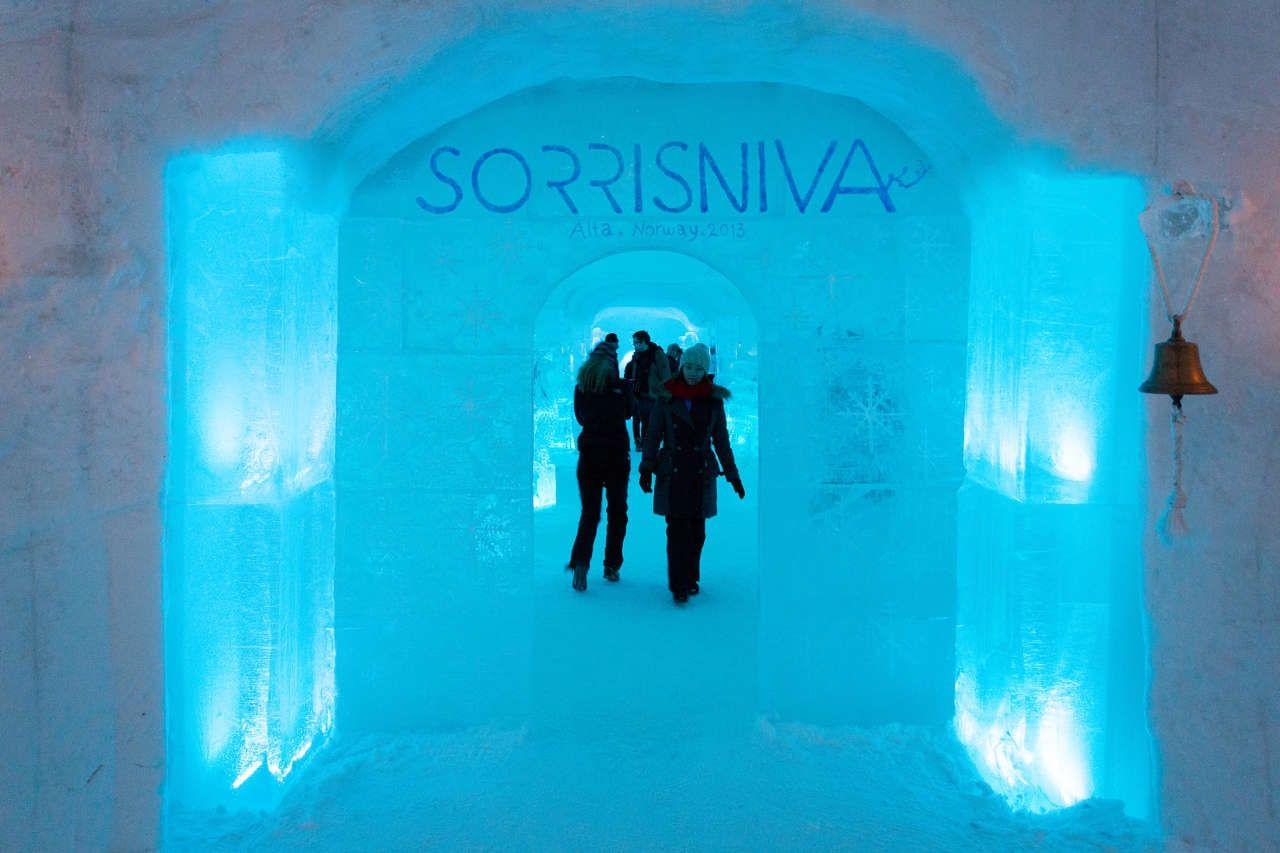 Sorrisniva ice hotel igloo Norway