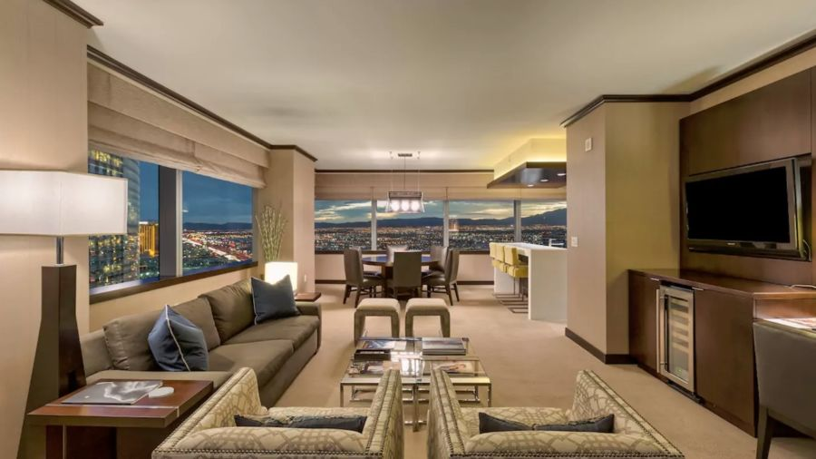 Where To Stay In Las Vegas The 40 Best Airbnbs In The City Fascinating 3 Bedroom Penthouses In Las Vegas Style