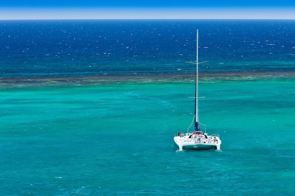 Catamaran cruising Couples Resorts