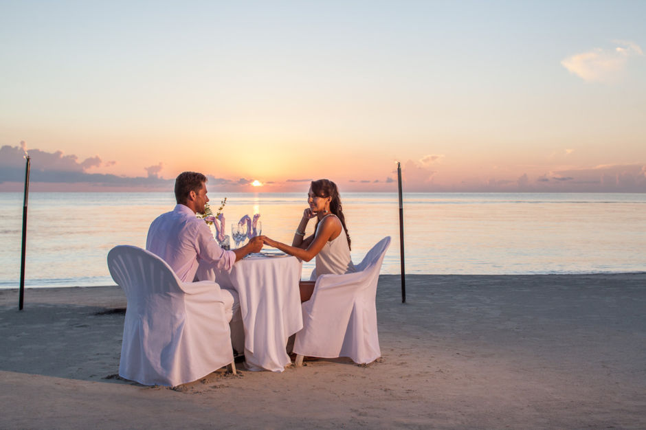 Dinner beach Couples Resorts