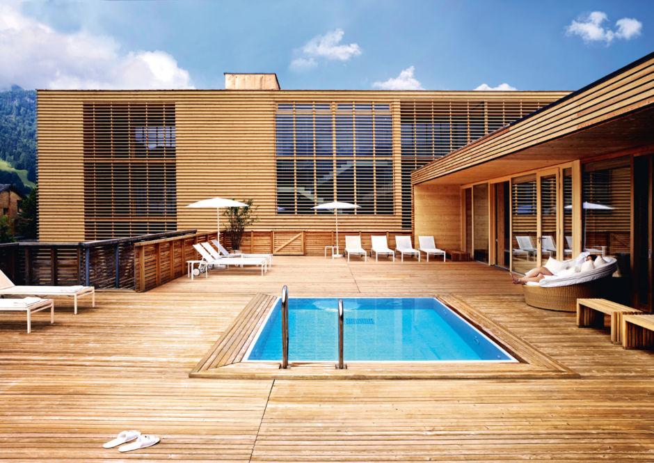 Best wellness hotels in the alps of switzerland germany for Boutique wellnesshotel osterreich