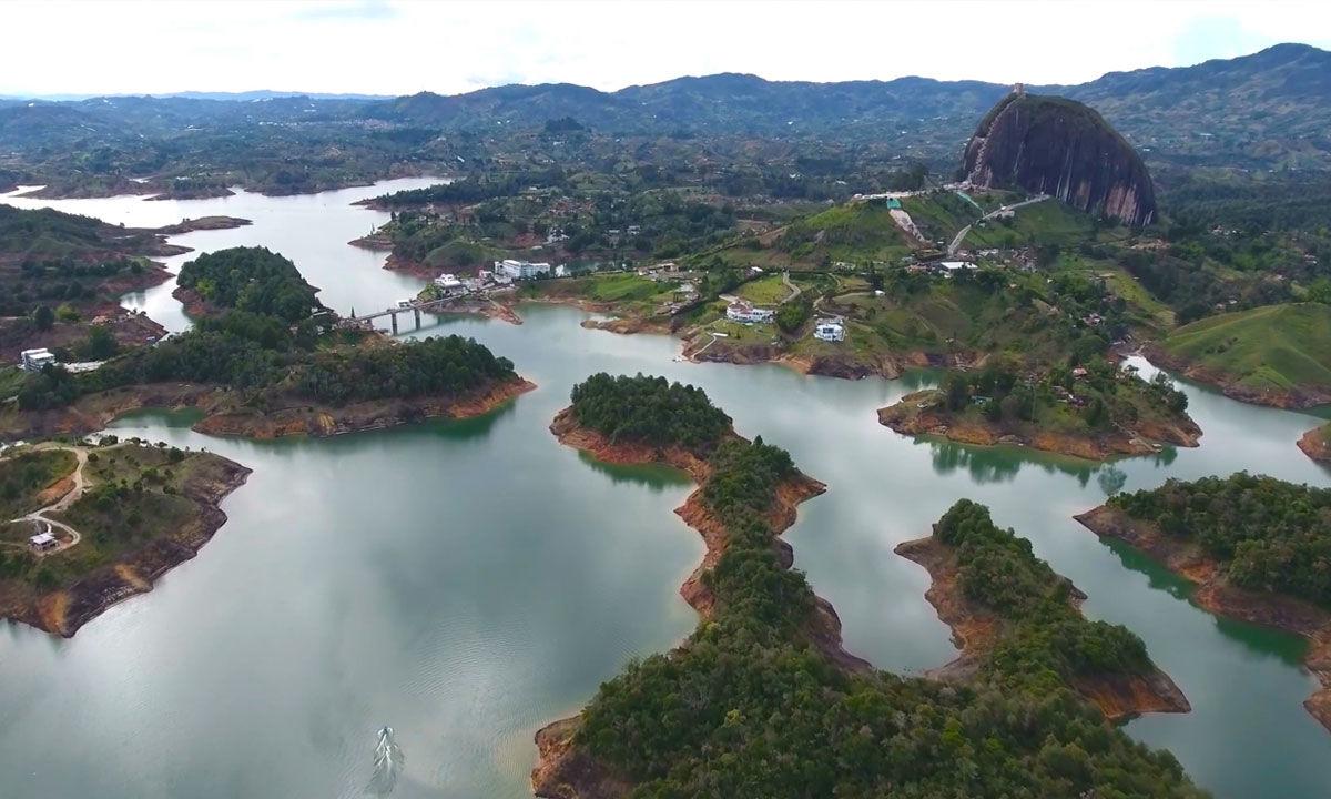 How to visit El Peñon de Guatapé in Colombia
