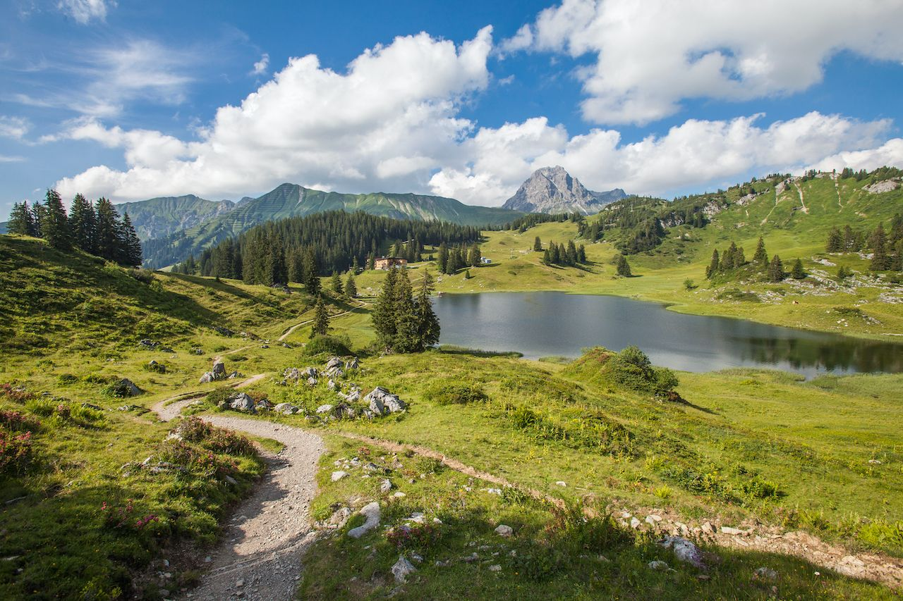 6 awesome places to hike in the Alps