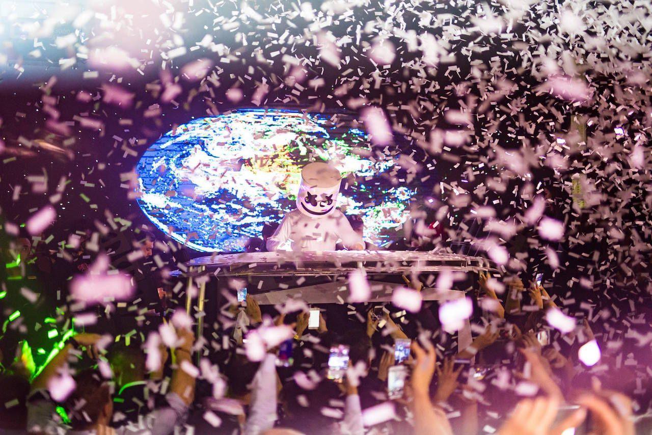 Nightclubs las Vegas surrender