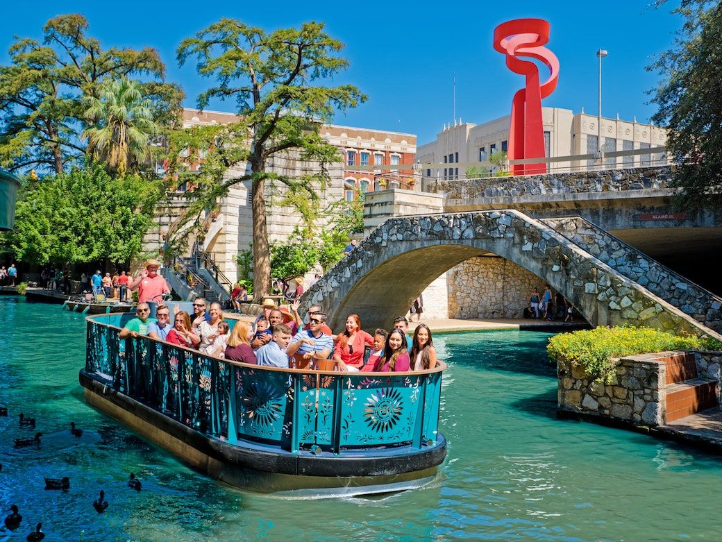 San Antonio Riverwalk boat tour