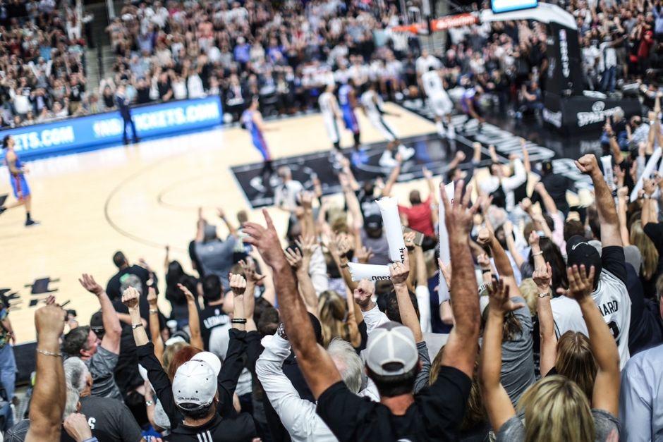 San Antonio Spurs fans