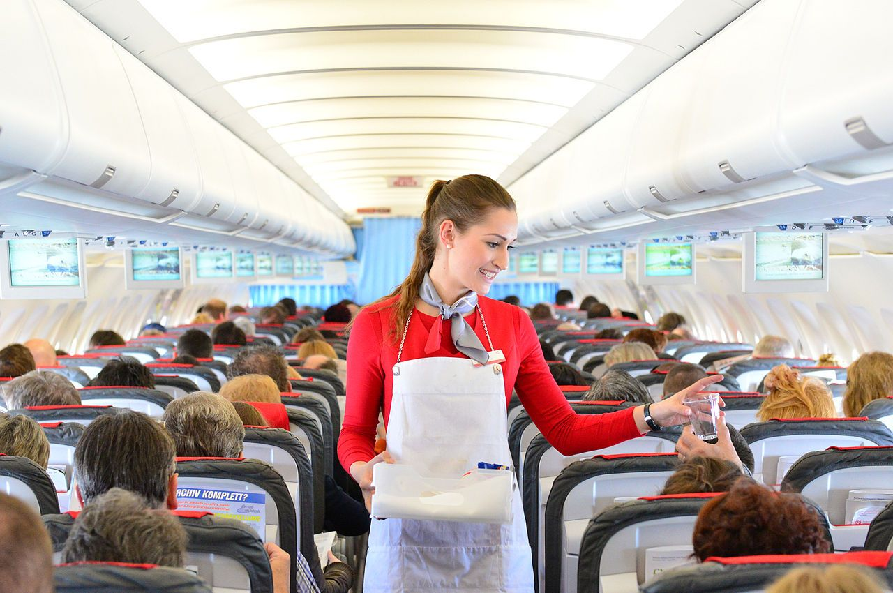 11 of the most obvious signs that you are dating a flight attendant